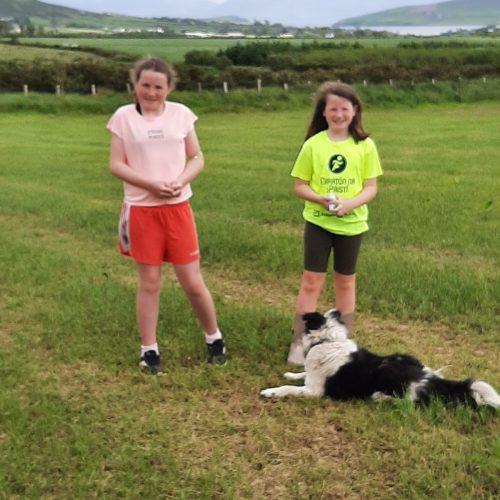 Órla, Aisling agus Jess an gadhair, Corca Dhuibhne.