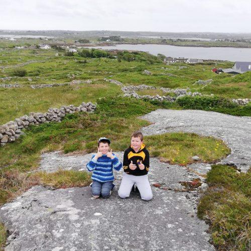 Rónán & Pádraic Ó Ráinne ag Cnoc Leitir Calaidh.